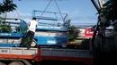 Bình Dương: Cho thuê xe nâng người 0917493777 CAT3P10