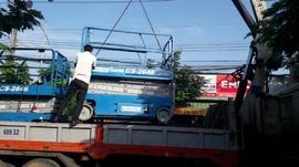 Cho thuê xe nâng người 0917493777