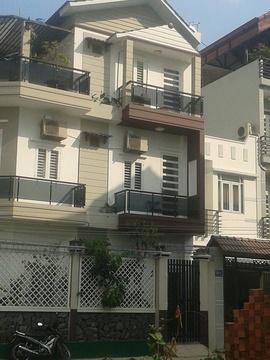 Bán nhà đẹp đường Tên Lửa, DT: 4x11m, đúc 4 tấm kiên cố, 1 trệt 3 lầu, nhà mới