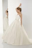 Bí quyết chọn váy cưới RSN9873