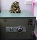 Hướng đặt két sắt giữ được tiền NEWS10889