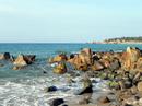 Những bờ biển có bãi đá đẹp ở Việt Nam RSN18120