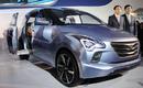 Hyundai MPV - đối thủ Toyota Innova NEWS22704