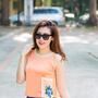 [4] Các mẫu trang phục của nhà thiết kế Xuân Lê được nhấn nhá những chi tiết trang trí thủ công tinh tế, khiến kiểu dáng đơn giản trở nên độc đáo hơn